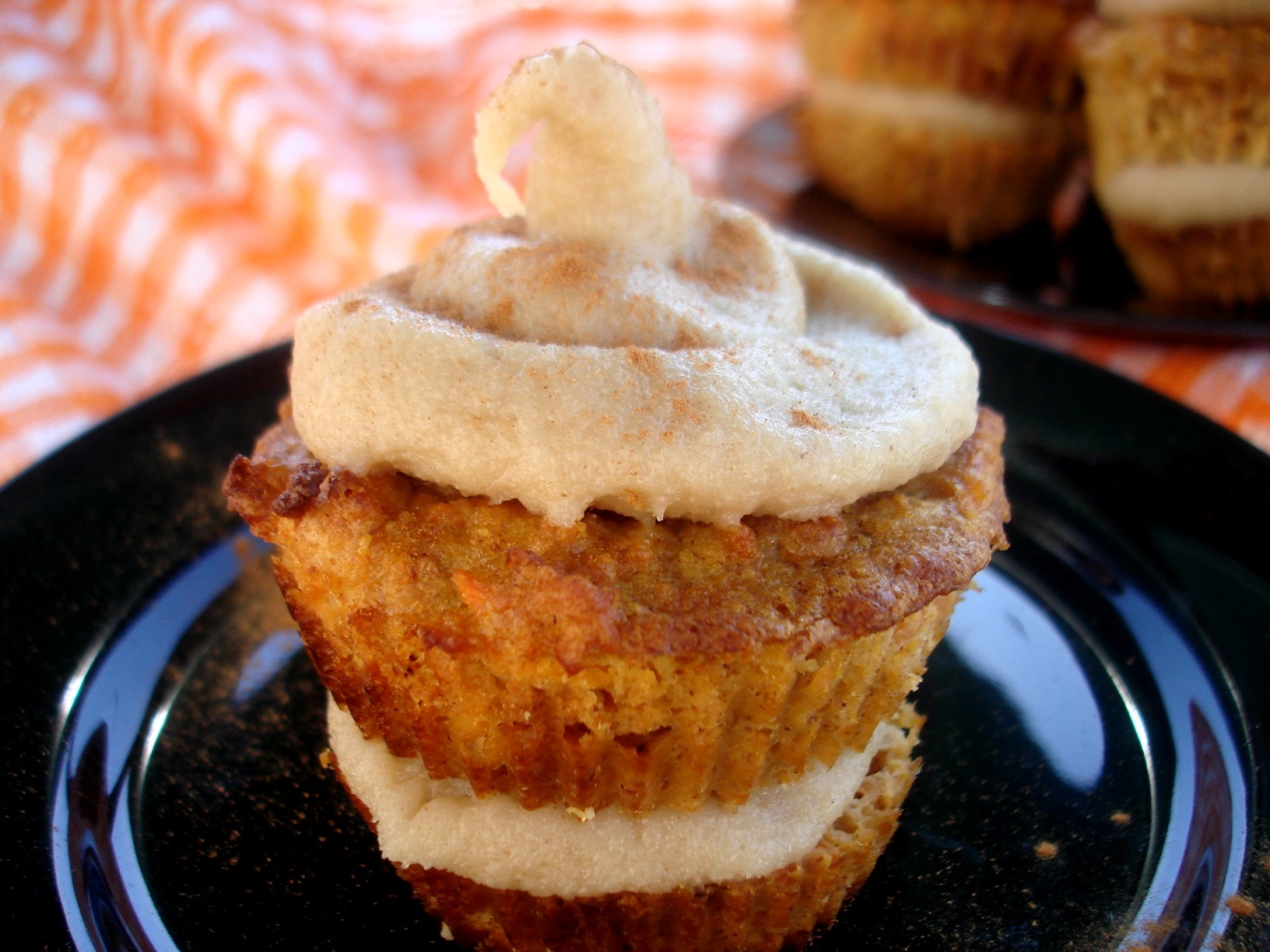 Easter Weekend: Double Decker Carrot Cake Cupcakes |