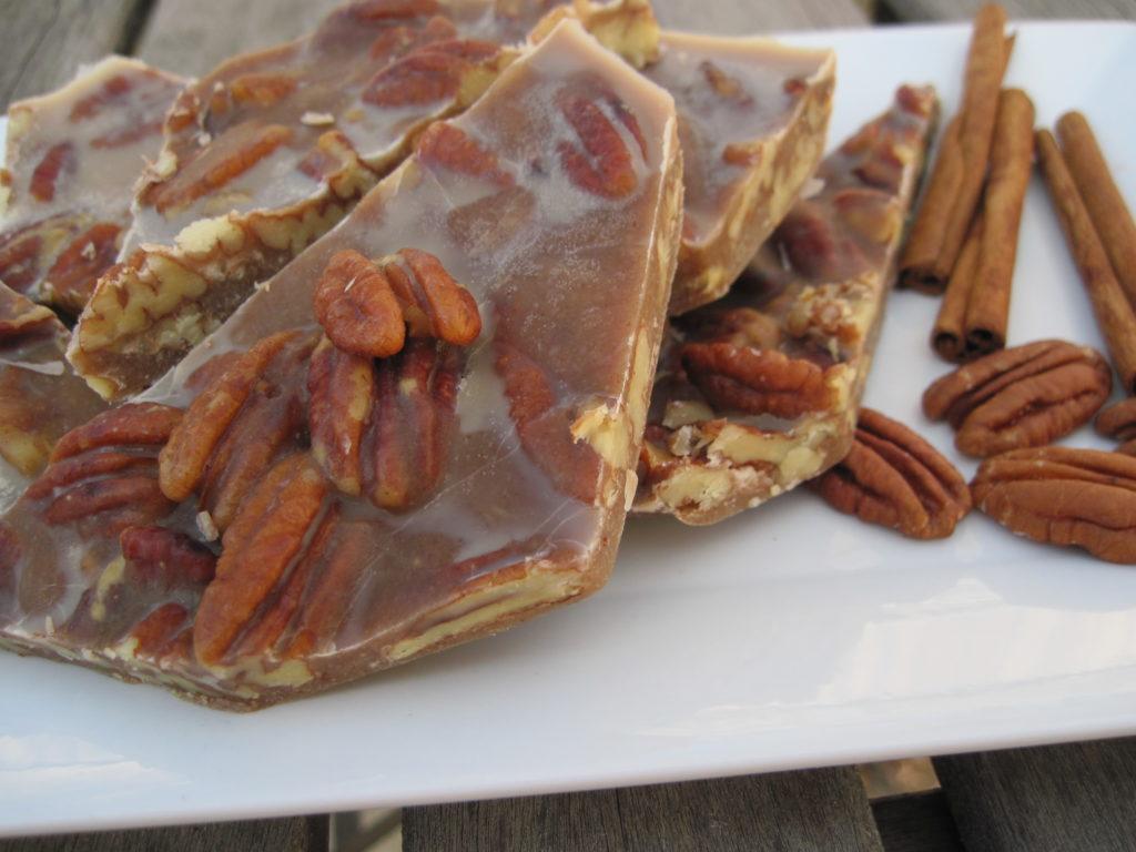 PaleOMG Thanksgiving Dessert: Chewy Pecan Pie Brittle