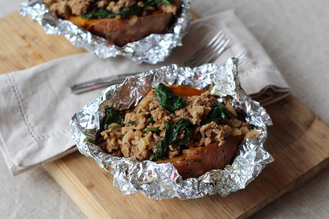 PaleOMG Clean it up Mondays: Turkey & Spinach Stuffed Sweet Potatoes