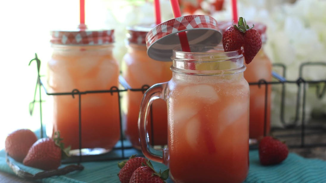 PaleOMG Strawberry Vanilla Bean Lemonade_1