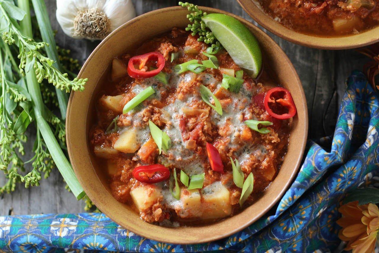 PaleOMG Slow Cooked Buffalo Chicken Chili