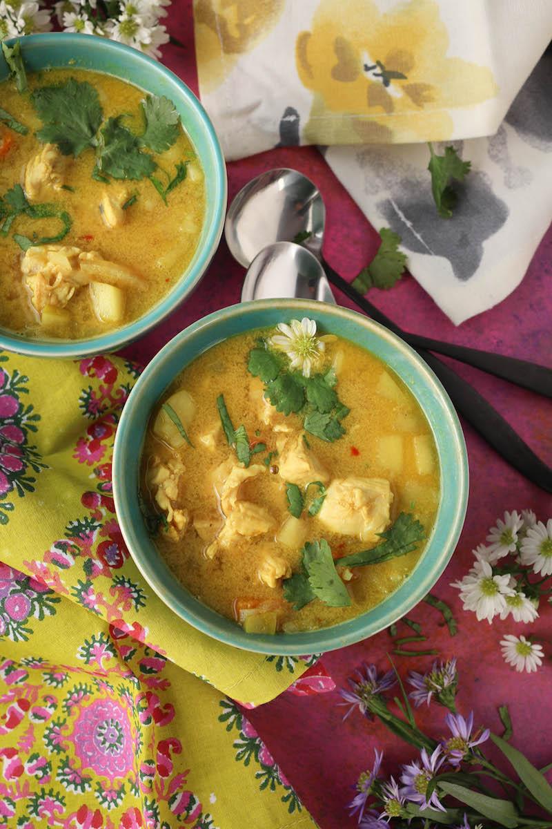 PaleOMG Mulligatawny Soup (Indian Curry Soup)