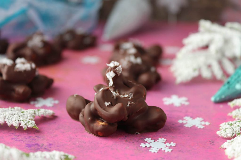 PaleOMG 4 Ingredient Chocolate Mint Cashew Clusters