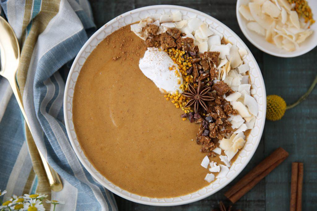 PaleOMG Pumpkin Pie Smoothie Bowl