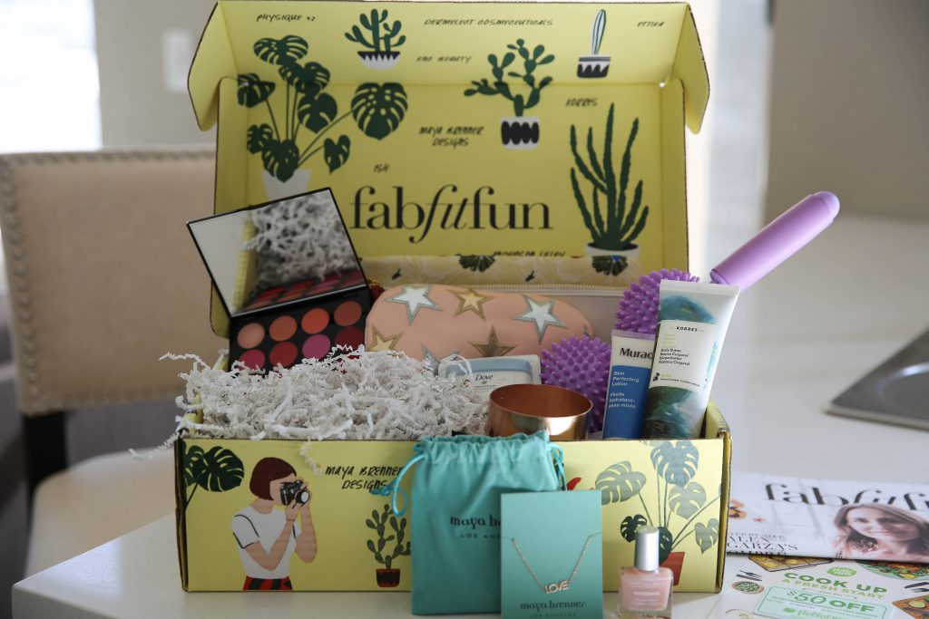 PaleOMG - Everything You Need for Spring In One Box