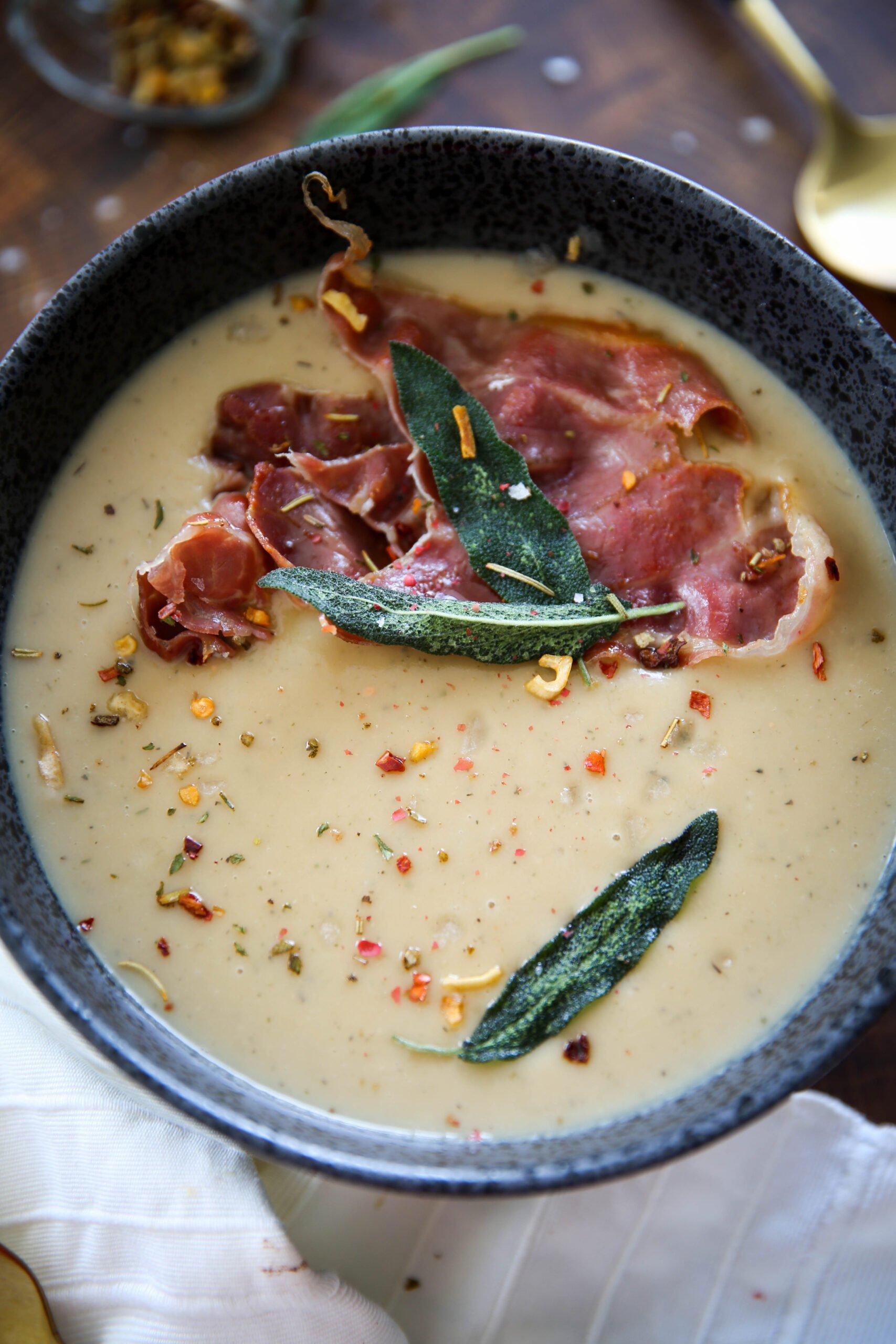 PaleOMG Roasted Garlic White Bean Soup