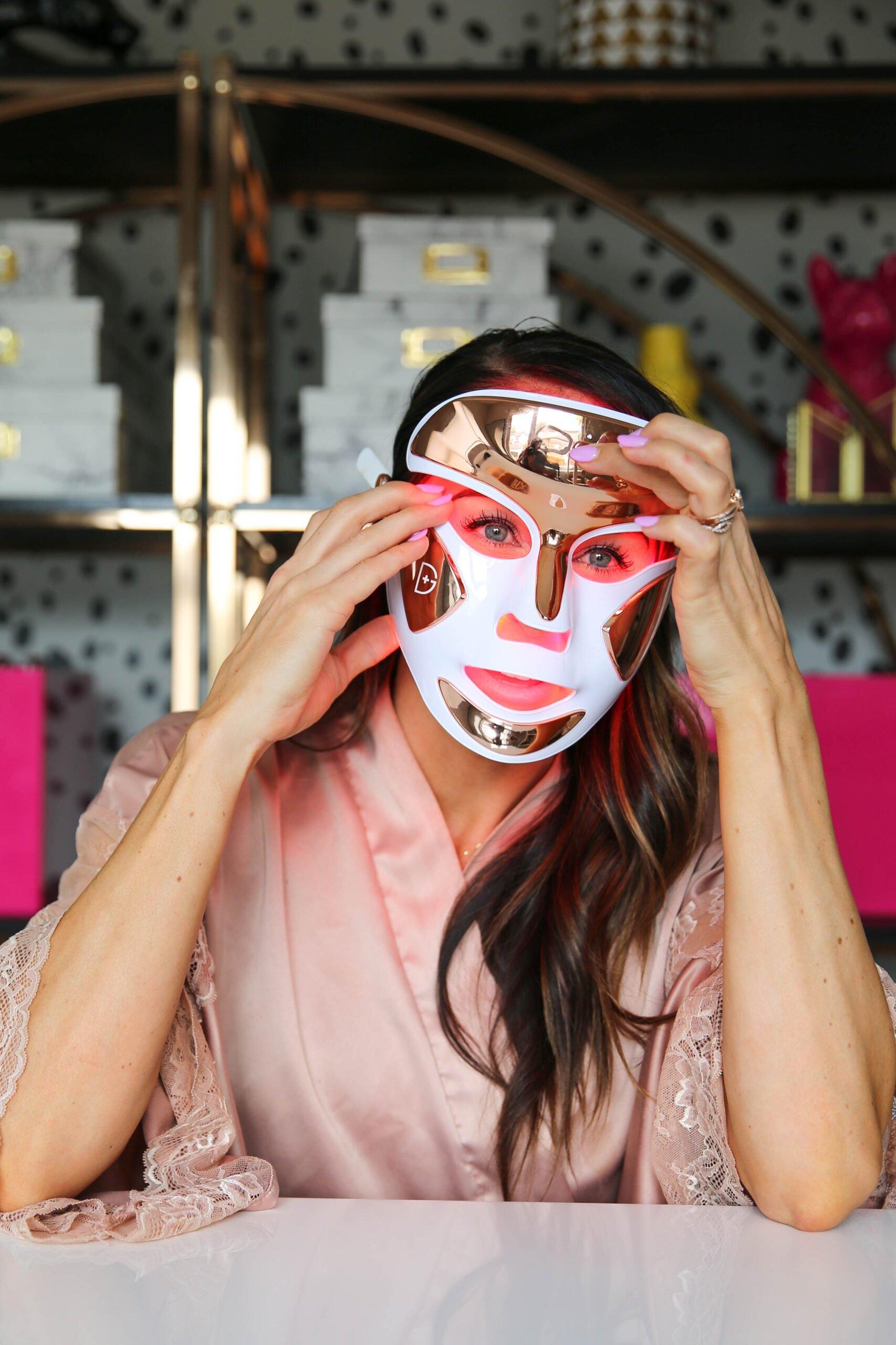 PaleOMG My Favorite LED Face Mask